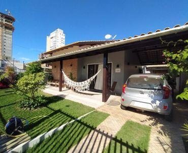 329 - Casa Térrea com 4 quartos - Centro de Bal. Piçarras